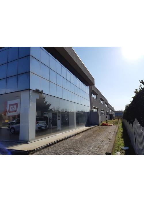Nuovo immobile commerciale e artigianale posto su strada di grande traffico Novara.