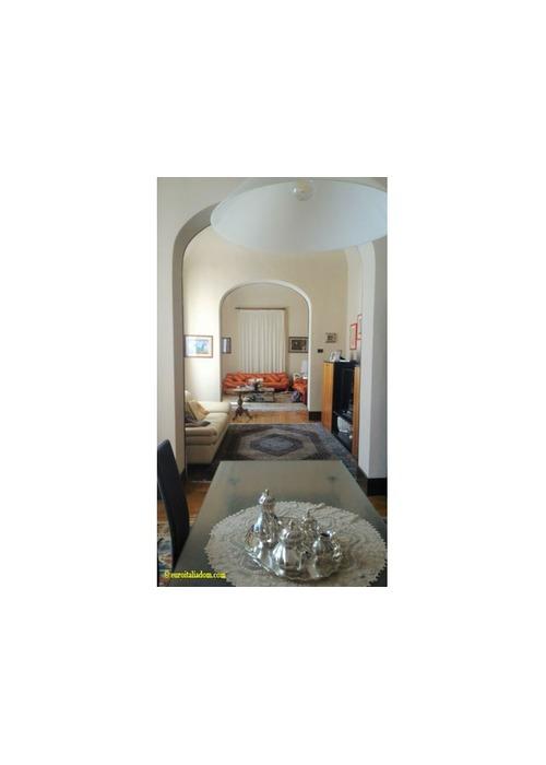 Elegante villa sul mare in Toscana vicino a Pisa