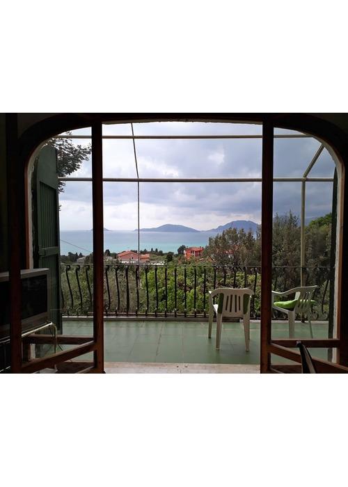 Splendida villa panoramica sul mare della Liguria.