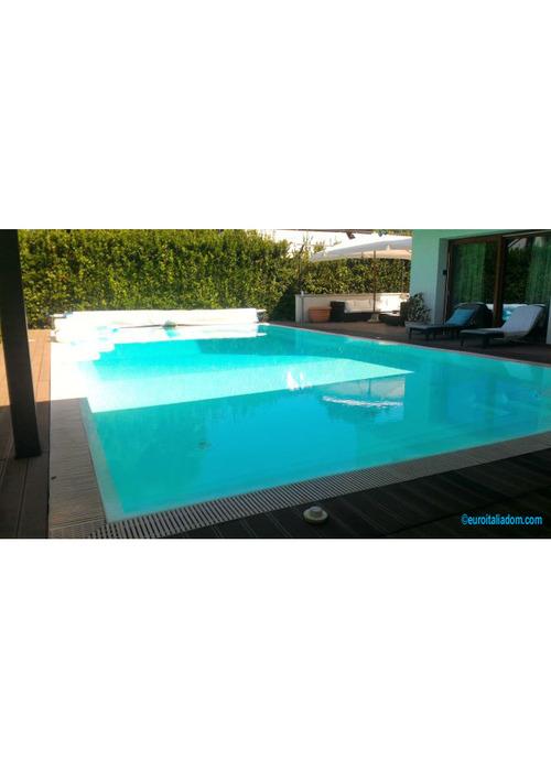 Moderna e lussuosa villa con piscina vicino mare di Tirrenia.