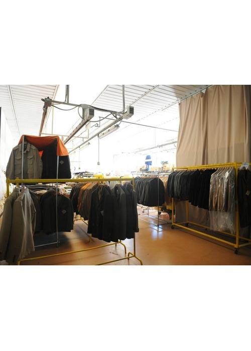 """Marchio dell'abbigliamento e nella produzione del """"made in Italy""""."""